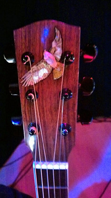 manzer_guitar_headstock_400x